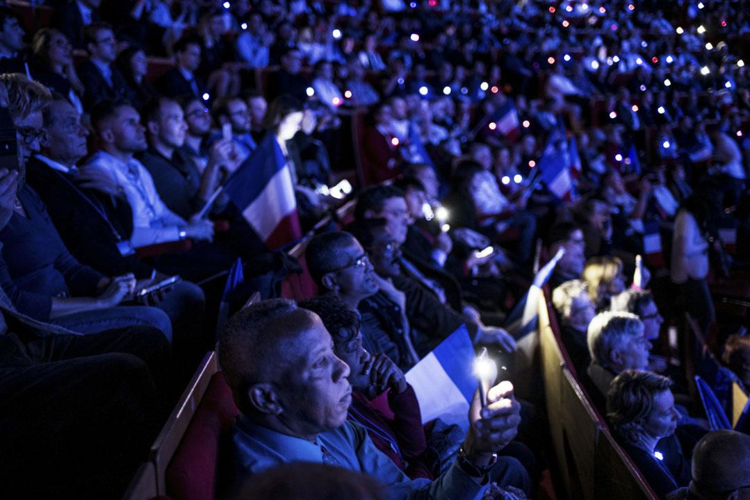 法國立法與德國取徑有別,特別側重於選舉期間的假新聞與外國勢力的介入。圖為2017年2月5日,支持者參加法國極右派民族陣線(FN)黨總統候選人集會。