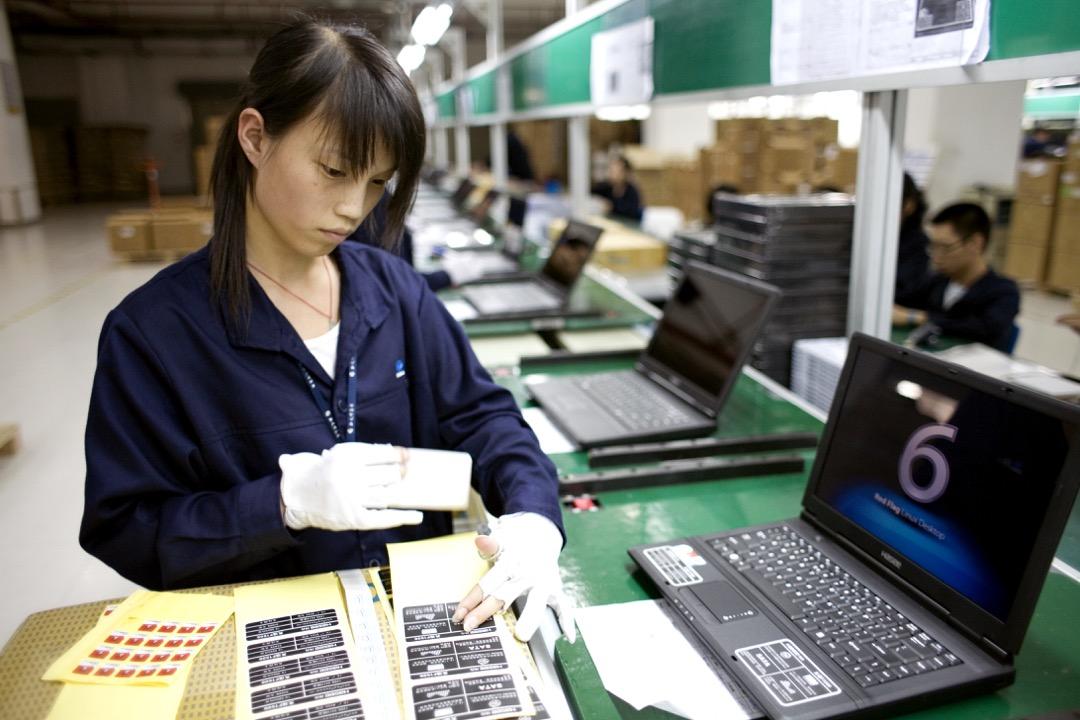 黎班:Intel在尋求掌控筆電價值鏈的過程中,後進國的代工廠成功地在技術門檻降低後,以規模以及組裝、物流技術成功超越既有的筆電品牌廠。