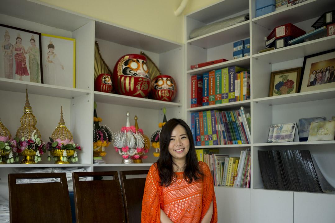 如今的Vita已經是泰文、英文、廣東話和普通話的多語老師,在九龍城擁有自己的補習學校。