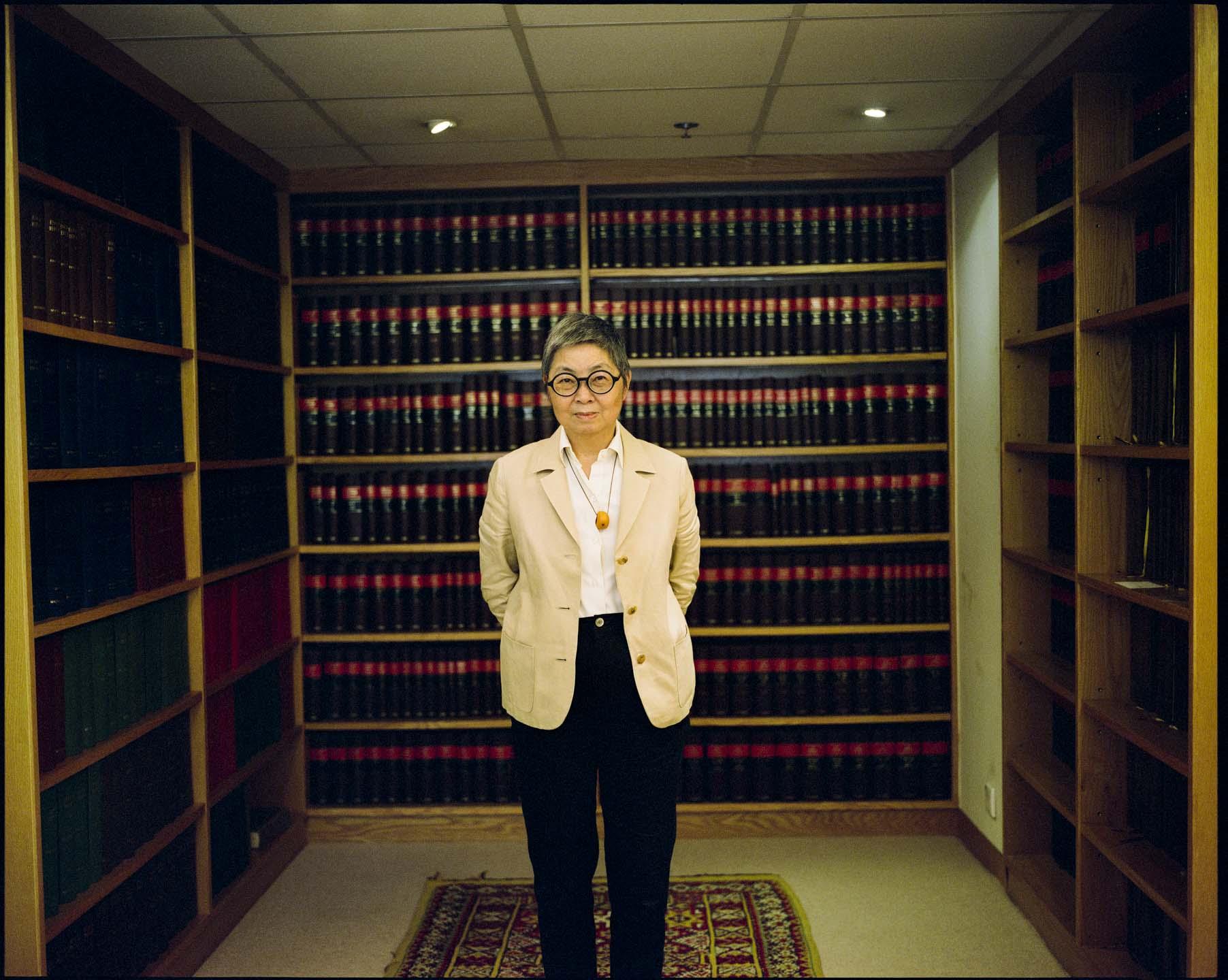 吳靄儀的首部回憶錄《拱心石下——從政十八年》即將出版,紀錄她從政多年的經歷,見證香港20年政治及法治變遷。 攝:林振東/端傳媒