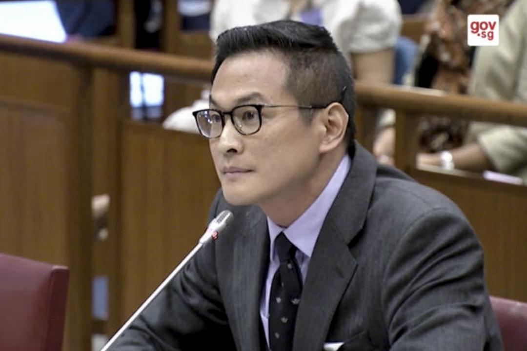 歷史學者覃炳鑫(Thum Ping Tjin)在新加坡的「反假新聞法」聽證會。