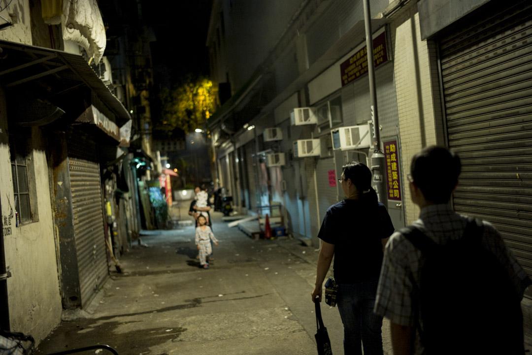 「維修香港」的一群師傅和探訪義工,年月如一,風雨無改。修的是廁所、水喉、電器、門窗,也是互助精神和民主參與。