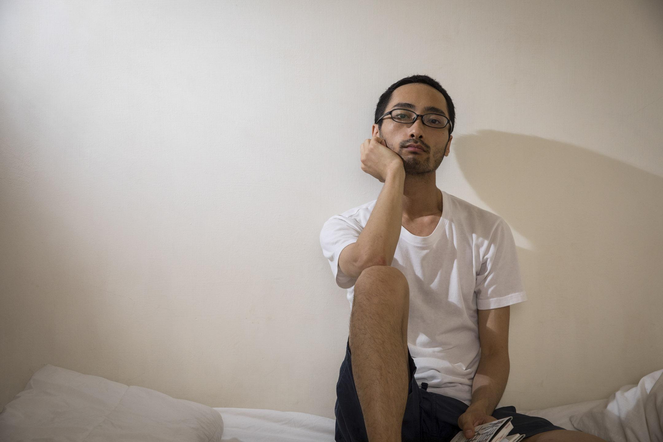 大原扁理,是一位生活在台灣的日本人。他今年33歲。和其他以工作學習或者婚姻為由居住台灣的外國人不同,大原是為了嘗試「上班兩日、週休五日」的生活而來台灣的。 攝:張藍/端傳媒