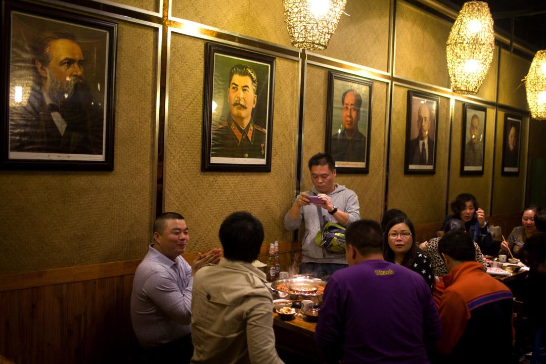 革命的思想其實是讓人民可以監督對最高權力、讓最高統治者受到道德制衡的機制。從這個意義上來說,革命思想不僅不是造成社會混亂的因素,反而恰恰是一種讓社會保持穩定的動力。 攝:Hong Wu/Getty Images