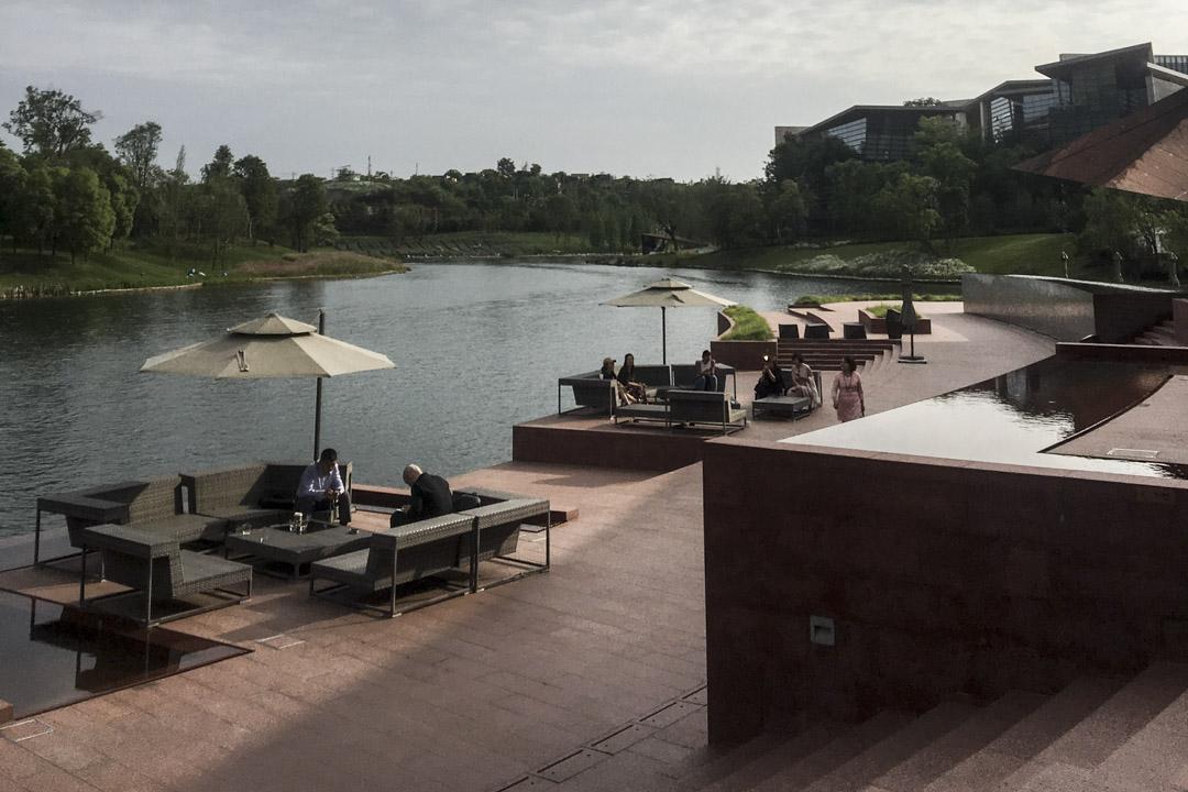 成都的私人美術館,麓湖生態城的「A4美術館」。