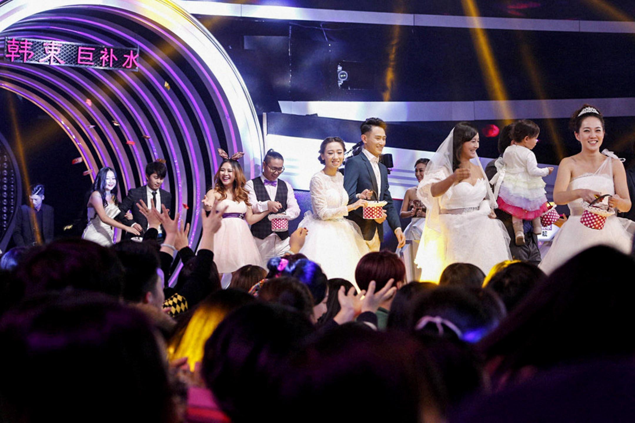 江蘇衞視的《非誠勿擾》於2010年首播,曾包攬多次全國衞視周收視率總冠軍。