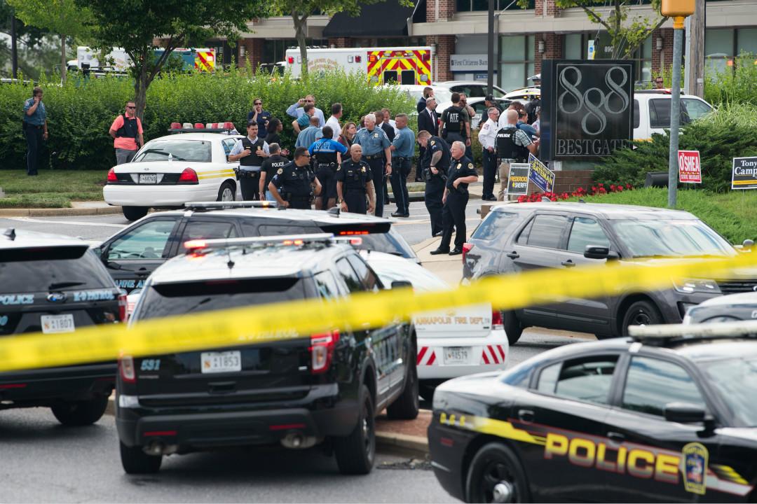 2018年6月28日,美國馬里蘭州首府安納波利斯(Annapolis)的 Capital Gazette 新聞社發生槍擊事件,造成至少5人死亡,多人重傷。 攝:Saul Loeb/Getty Images
