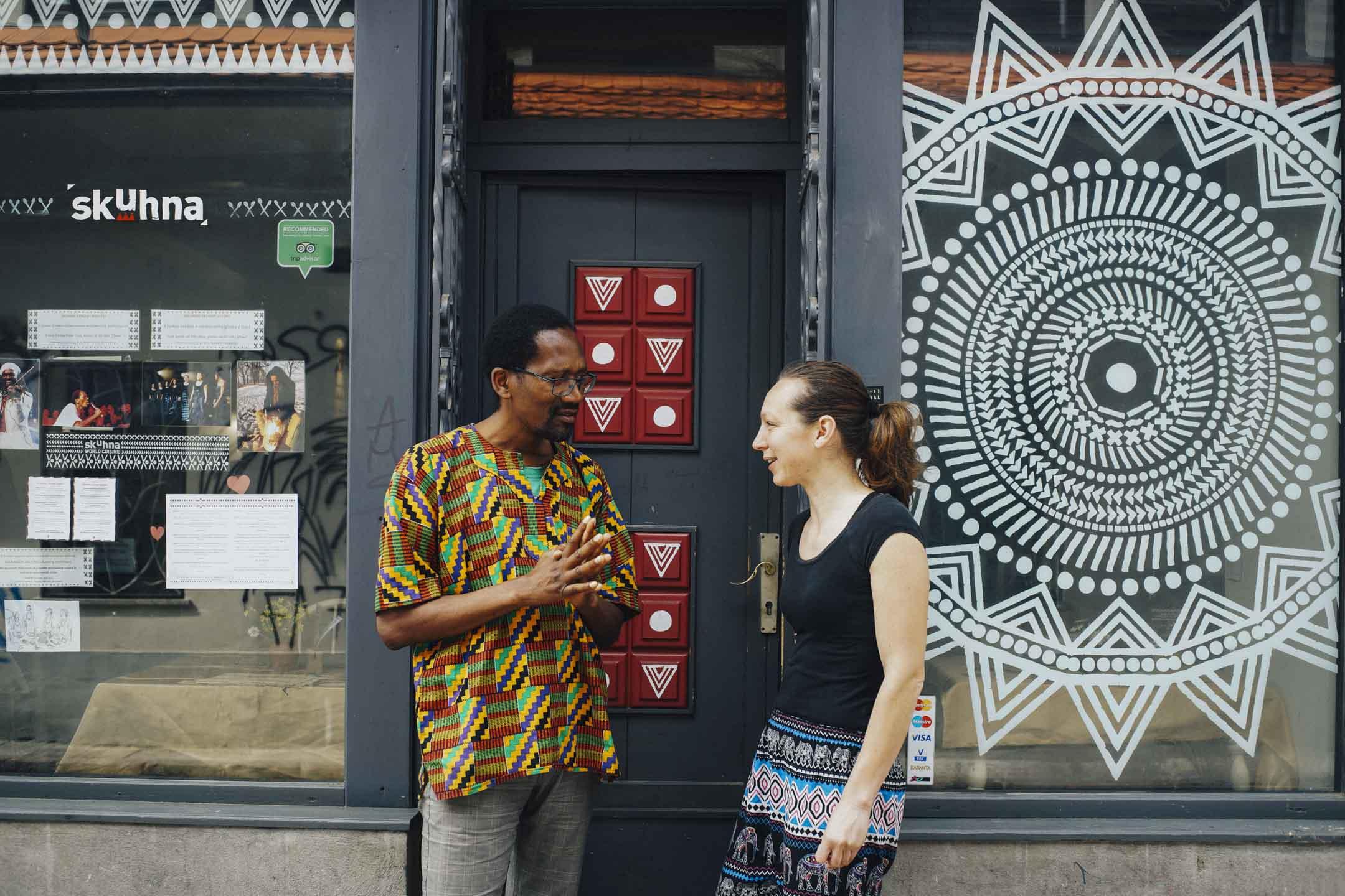 專聘請移民工作的社會企業餐廳Skuhna,創辦人Max和Teja。 攝影:阿嬋