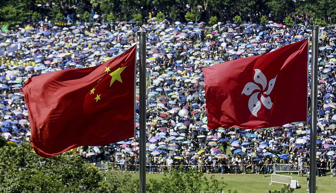 2003年,香港沙士SARS疫症爆發,政府推動《基本法》廿三條立法。民陣以「反對23 還政於民」為主題,第一次舉辦七一遊行,並宣布遊行人數達50萬。數天後時任行政會議成員田北俊辭職,自由黨倒戈反對倉促立法,隨後政府宣布無限期押後草案二讀,並最終於同年9月初撤回草案。