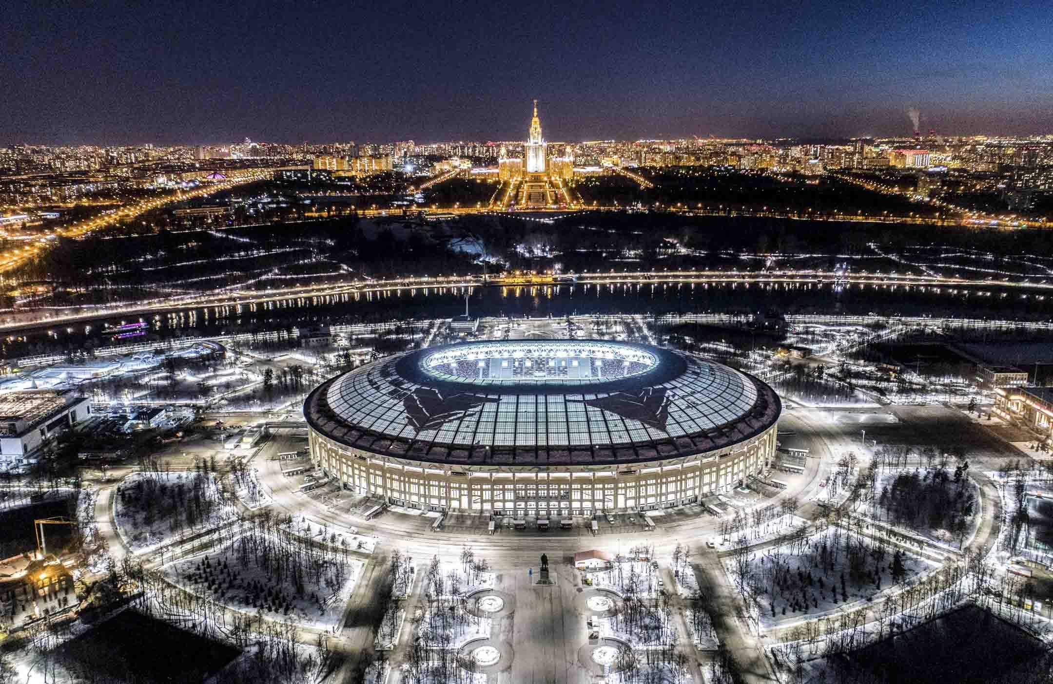 2018年的世界盃在資金投入上超過了140億美元,已經作為「史上最昂貴的世界盃」名垂史冊。圖為盧日尼基體育場,會舉行包括揭幕戰及決賽在內的七場比賽。 攝:Dmitry Serebryakov/AFP/Getty Images