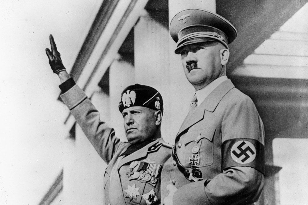 墨索里尼(Benito Mussolini)和希特勒( Adolf Hitler)。 攝:Luce/Keystone/Getty Images