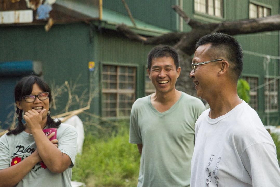 在划渡計劃後期鼎力相挺的夥伴:台東糖廠的工藝師「瓦籟」鄧秀線與先生呂昌熾。密集相處下來,他們說,如今已儼然將彼此視為家人。