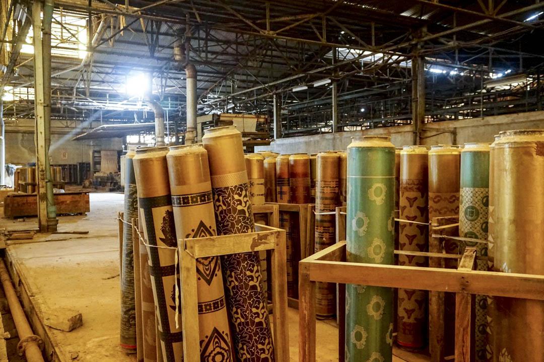 2016年後,GTMC印花布的生產全面停滯,只剩倉庫還在維持。如今,廠房內仍有零星的工人在照常辦公。