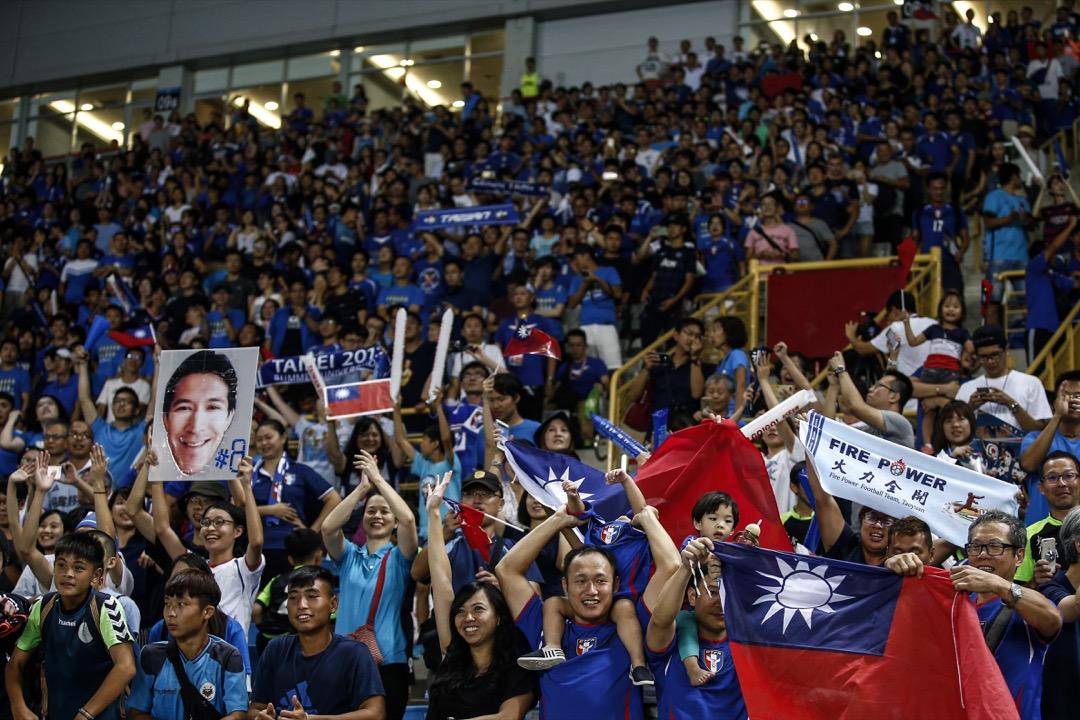 世界盃足球賽包括三十二強的「所有賽事」轉播,在台灣是否具有國族與文化認同的重要意義?