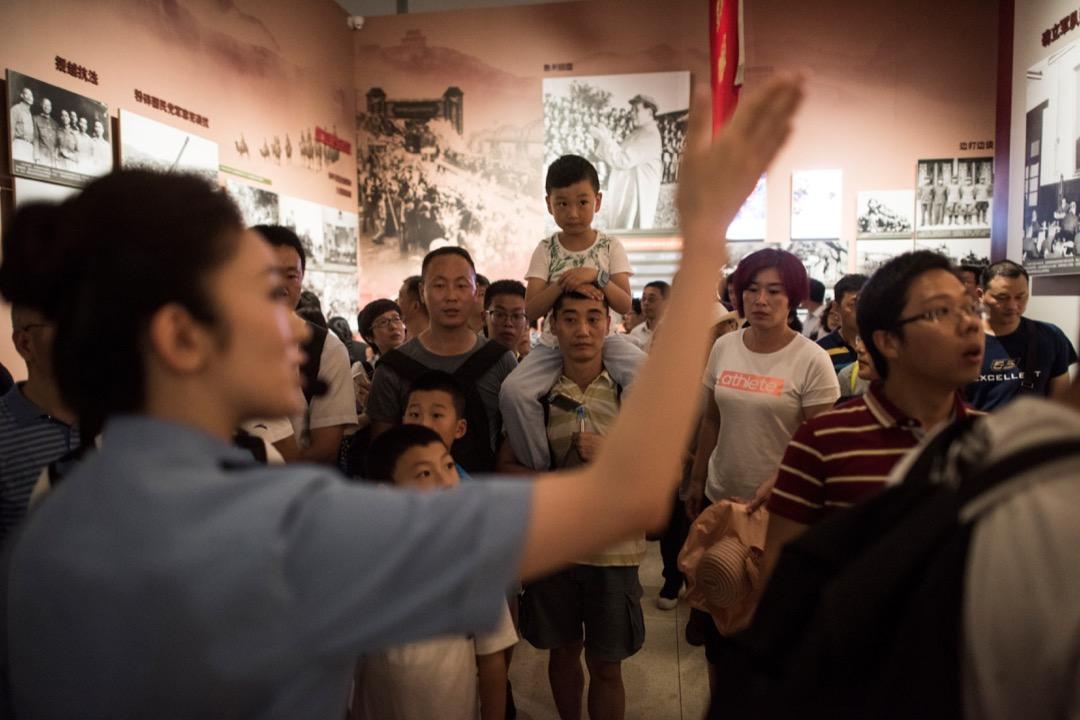 葛兆光:為什麼中國的通史著作有時不太受待見?其中是因為政治意識形態問題,也是因為「通史」承擔了太多的政治和社會責任。