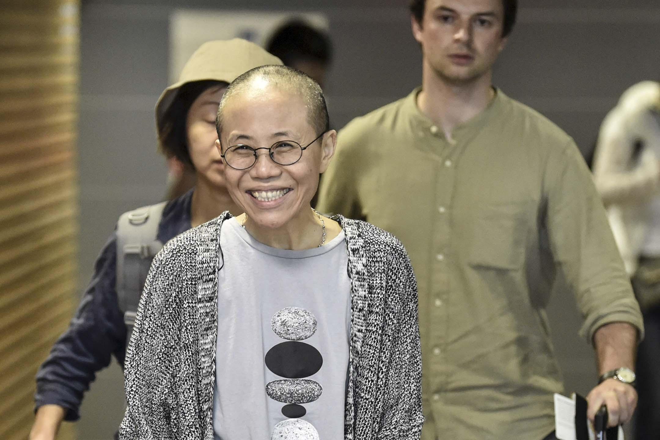 2018年7月10日,諾貝爾和平獎得主劉曉波的遺孀劉霞於早上搭乘飛機離開北京前往德國柏林,期間抵達中途站芬蘭赫爾辛基機場的一刻。  攝:Jussi Nukari/Lehtikuva/AFP/Getty Images