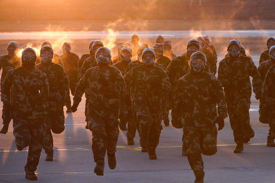筆者都曾指認中國逐漸於「維穩體制」之上又疊加了「戰備體制」,就在於提示其危險性,防範其負面影響。