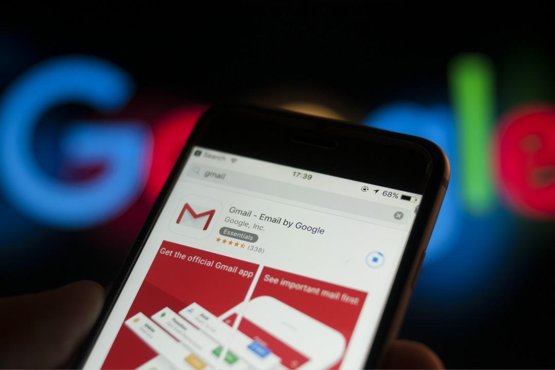 Google 公司的電郵應用 Gmail 在手機端下載安裝。 攝:Jaap Arriens/Getty Images