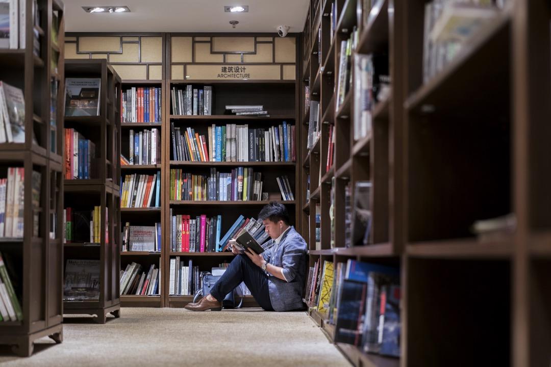 當大學生追求自我提升的意願不強,對養成「自主學習」基本能力來持續吸收新知、重建理解脈絡的意願薄弱,大學教育的理想很容易落空。