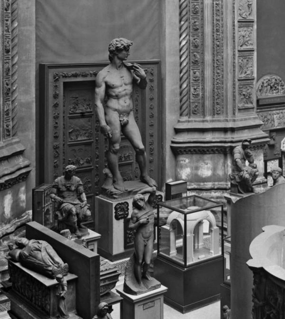 英國國立維多利亞與艾伯特博物館的大衛像複制品,下體被一片無花果葉銅牌遮蓋。