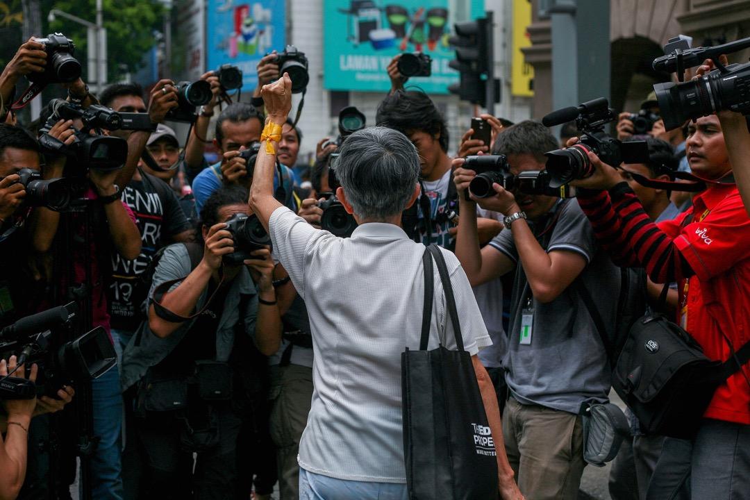 假新聞議題席捲全球,以及隨著社群媒體的大量使用,操控/管制社群平台上的言論成為許多政府的目標。從東亞到南亞國家,假新聞與不實資訊出現的面貌與原因各有不同,這些國家的人們又是如何看待這些議題? 攝:Mohd Samsul Mohd Said/Getty Images