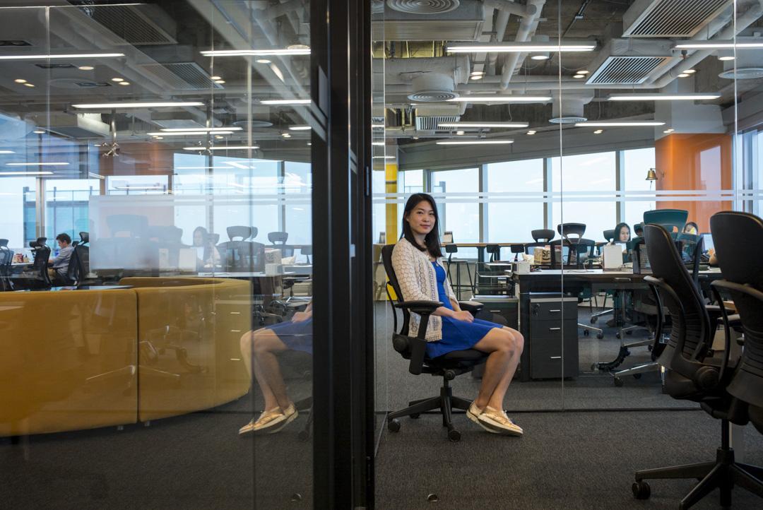 出生於香港、畢業於劍橋的80後教授陳斯宇(Vivian)創辦了運用AI系統來搜索論文的平台Sparrho。 攝:林振東/端傳媒
