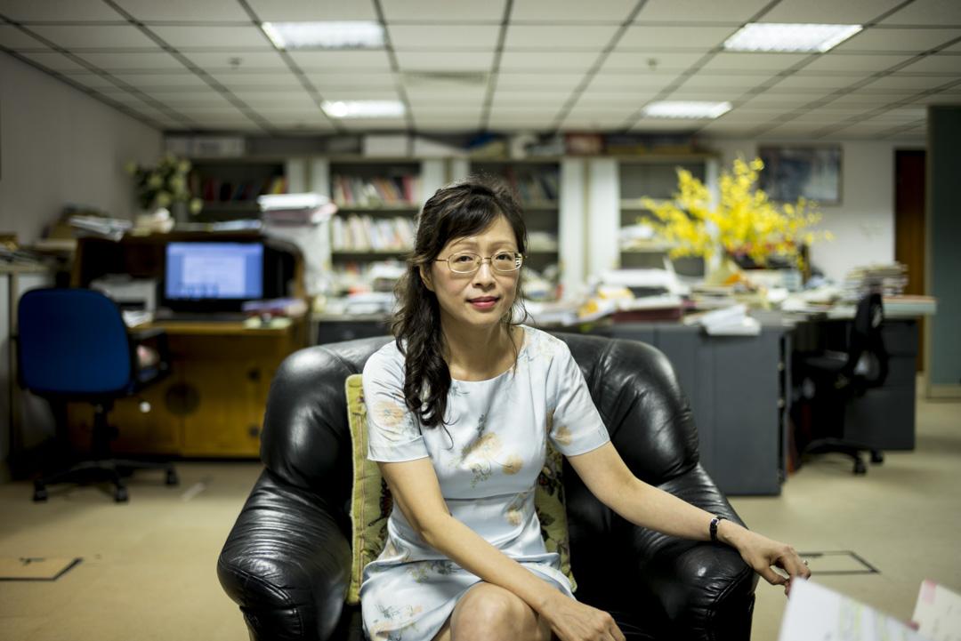 研究不同華人社會文化與身份認同的樹仁大學社會系教授陳蒨,嘗試發掘更多茶餐廳的內涵。