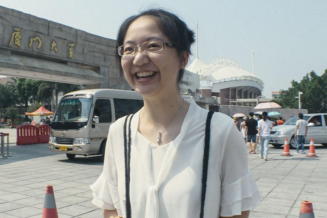 江宇晴在台灣被交通大學材料科學系取錄,在中國則面試廈門大學、浙江大學及南京大學,最後三所都錄取,兩岸四個校系放在一起比較,浙江大學計算機科學系最符合自己的志向。