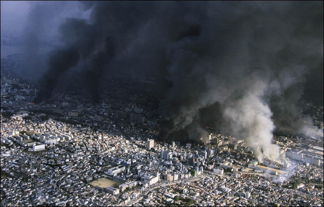 阪神大地震的發生時間為1995年1月17日,造成相當多傷亡。官方統計有6,434人死亡。