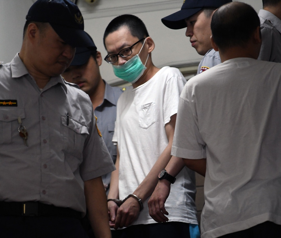 台灣高等法院法院日前對2016年「小燈泡」隨機殺人案做出二審判決,認定嫌犯王景玉因「犯案時辨識行為違法能力明顯降低」而判處無期徒刑。