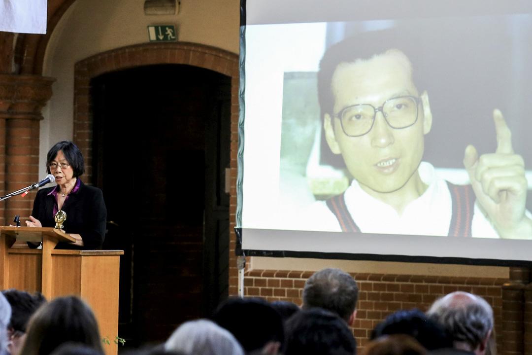 獨立中文筆會會長、追思會組織者之一廖天琪在致詞上讚揚劉曉波一生只有愛,沒有恨。