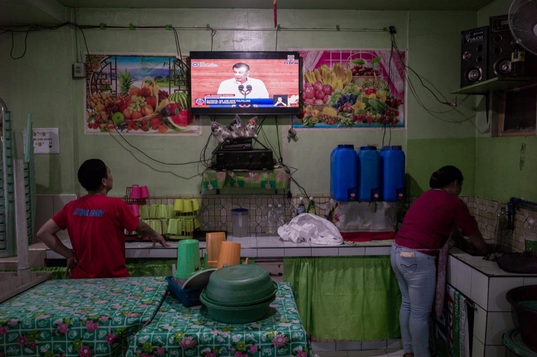 菲律賓總統杜特爾特向國民發表電視講話。