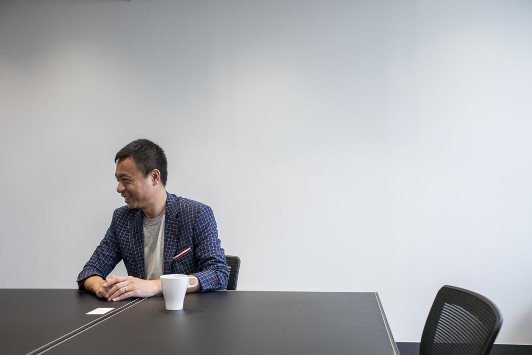 文立認為,香港的初創企業是被市場嚴重低估的,文立覺得香港是比較適合早期投資的地方,」很多項目就像玉,你會有疑問到底是石頭還是玉,你很難決定。」