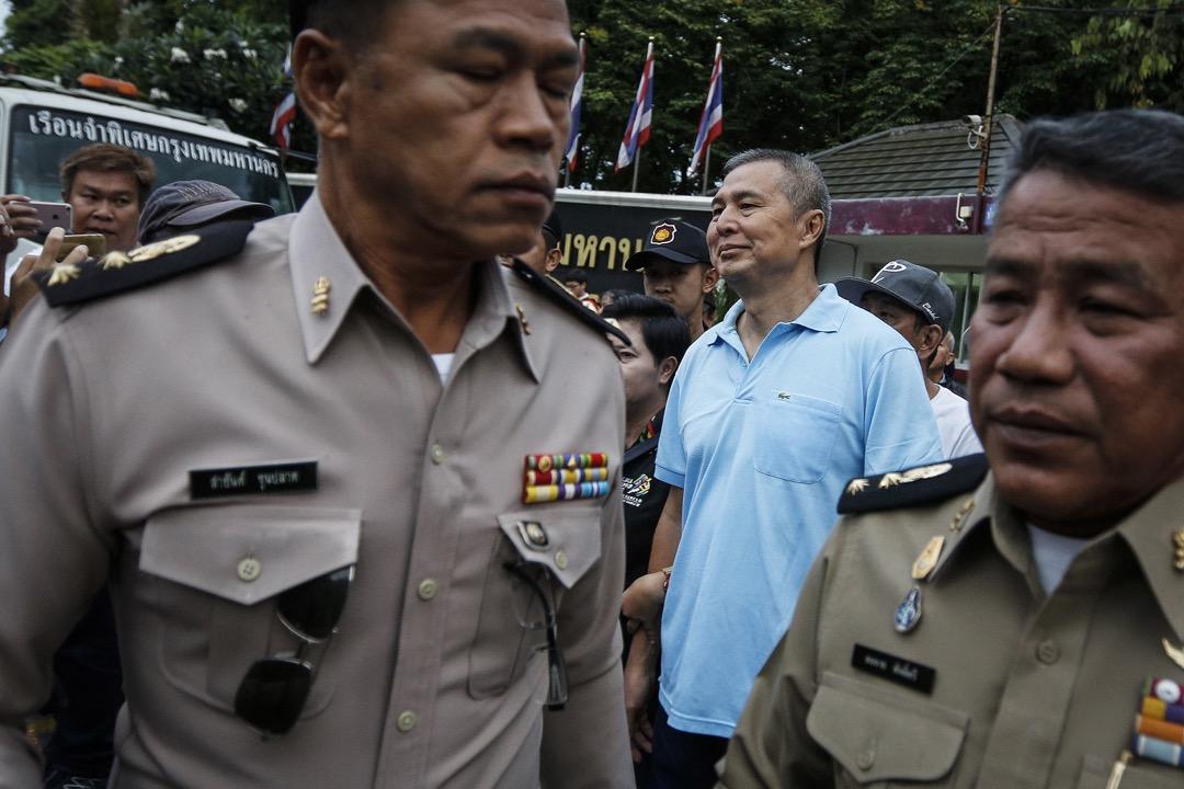 2018年4月30日,因刑法第112條《對王室不敬罪》入罪的雜誌編輯 Somyot Prueksakasemsuk 服完七年刑期出獄,他是刑法第112條下最高刑期的罪犯。