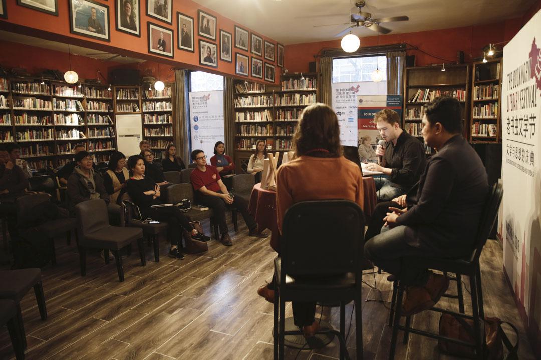 老書蟲的文學節多年都是在春暖花開的三月舉行,演說過的作家已經超過了4000位。