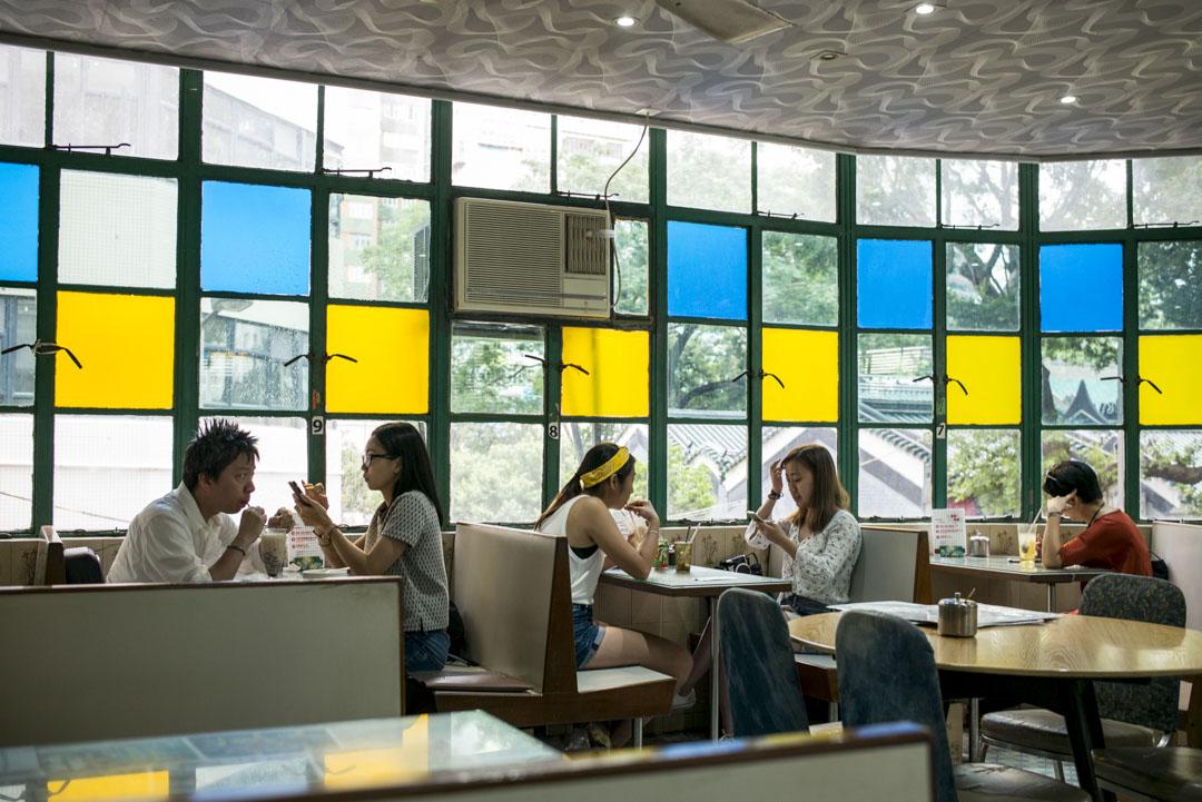 位於油麻地的美都餐室是香港老字號茶餐廳,1950開業至今,已有68年歷史。