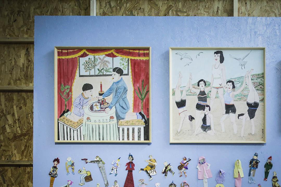 60歲退休之後,邵炳鳳偶然在家拿起紙筆畫畫,仿着家庭老照片的樣子,依着自己的想像力,越畫越上癮,越畫越多。 圖為邵炳鳳作品。