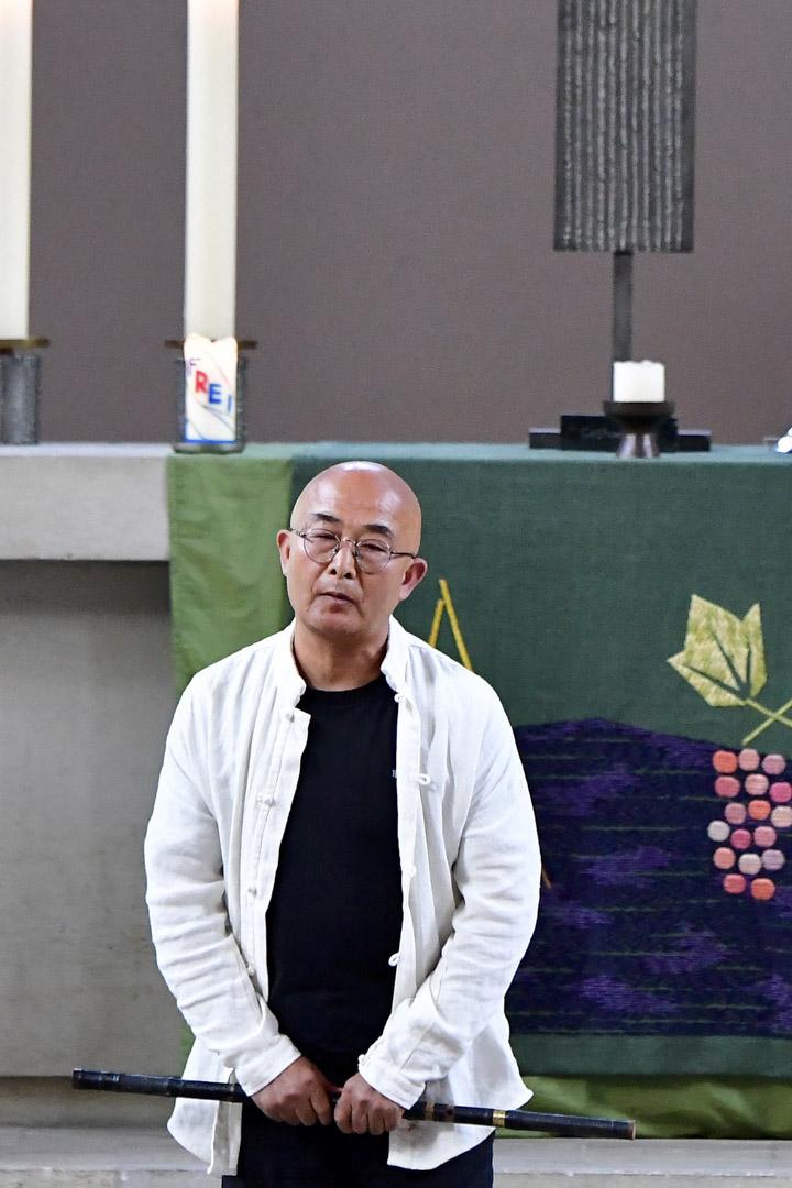 廖亦武是劉曉波和劉霞夫婦多年的好友,他對劉霞的釋放起到了關鍵的作用。廖亦武亦有出席追思會並在台上演奏。