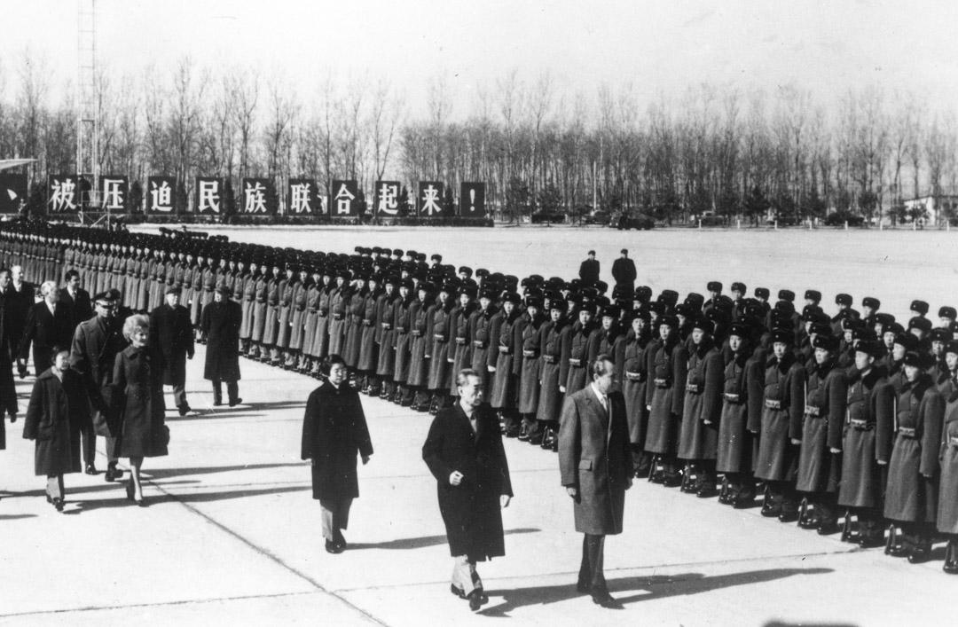 1972年,尼克森訪華,日本與中華人民共和國建交、與中華民國政府斷交;中共中央批判林彪集團。與此同時,文革風風火火進入第7個年頭。