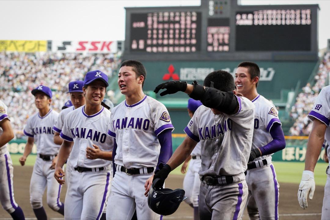 秋田縣金足農業高校投球手吉田輝星(前)與隊友們。 網上圖片