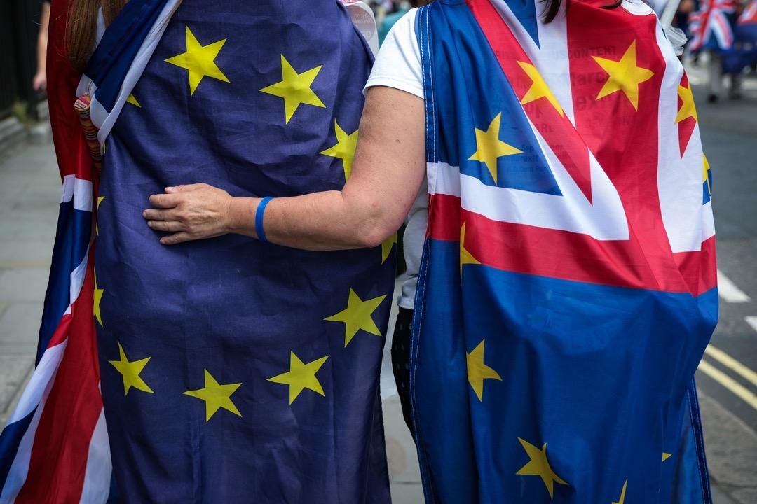 文翠珊在7月6日發布的「契克斯聲明」,拋出一套幾乎已經是不能再軟的脫歐方案後,對於強調主權的英格蘭民族主義的硬脫歐派來說依舊是無異於叛國。