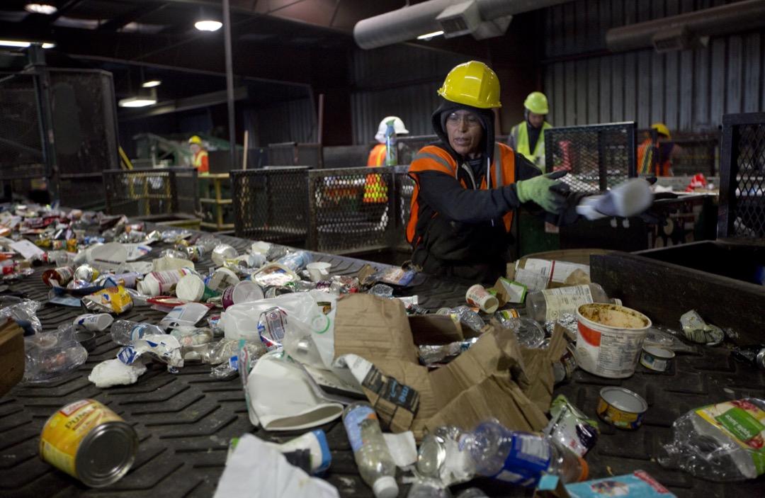 俄勒岡州最大的固廢回收站「遠西」(Far West Recycling)。