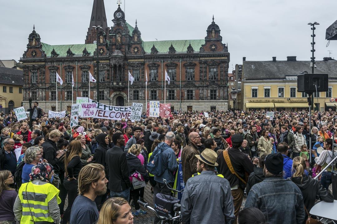 2015年9月,瑞典有5000人出席一個支持難民的集會,要求政府為逃離戰爭和飢荒的難民採取收容及救援措施。