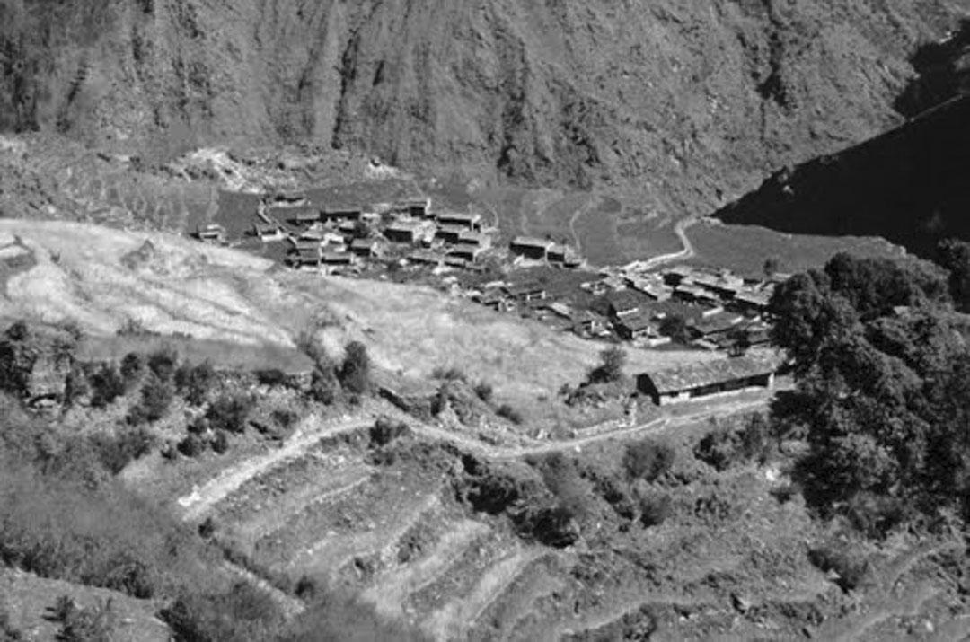 3月6日,兩人走到海拔1890公尺的Tipling,這是在遇雪受困之前,他們停留的最後一個村莊。 圖為Tipling。