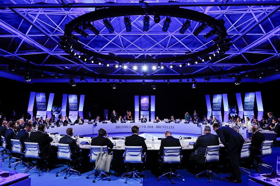 現在全球的國際關係正面臨轉折關頭。尊重各國領土主權,不強佔他國領土,就是過去七十多年成功建立起來的最基本的國際規範。圖為2018年7月11日在布魯塞爾舉行北約峰會的工作晚宴。  攝:Yves Herman/AFP via Getty Images
