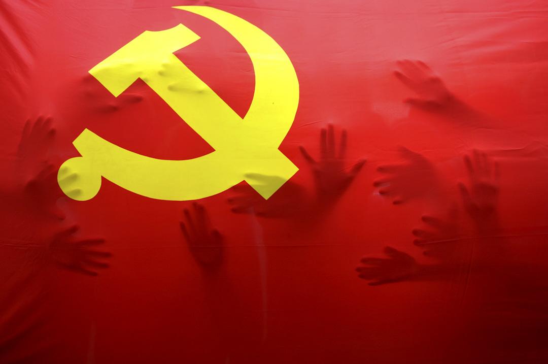 中國的官員問責制註定是一場「黨內遊戲」,何時問責、為何追責、誰來負責等問題,公眾可能連基本的知情權都沒有。