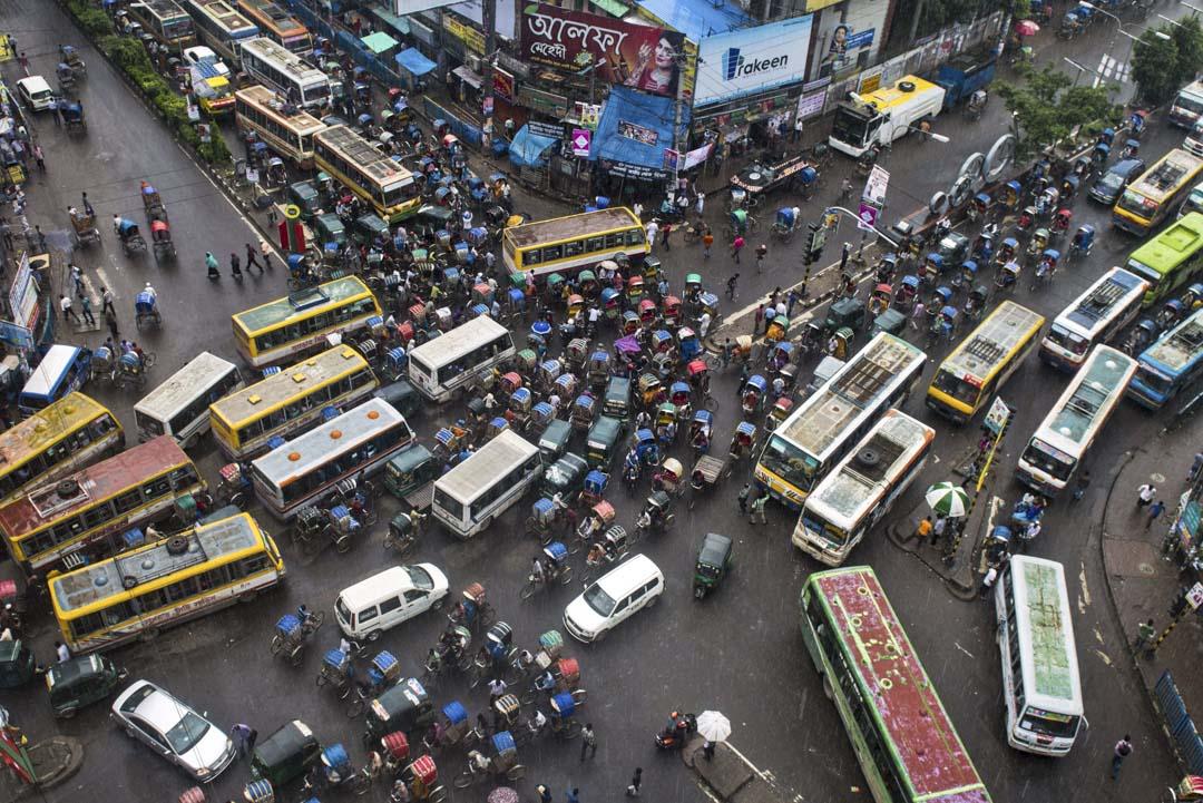 在人口密集的孟加拉國,大大小小的交通事故屢見不鮮。官方統計數據顯示,孟加拉國每年因交通事故喪生的人數超過3000人。