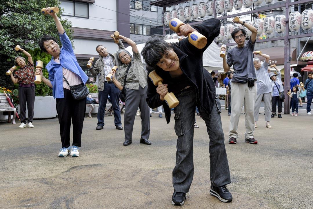 日本受高齡化及少子化影響,令到勞動人口出現不足,引入移民正可紓緩人手不足的問題。