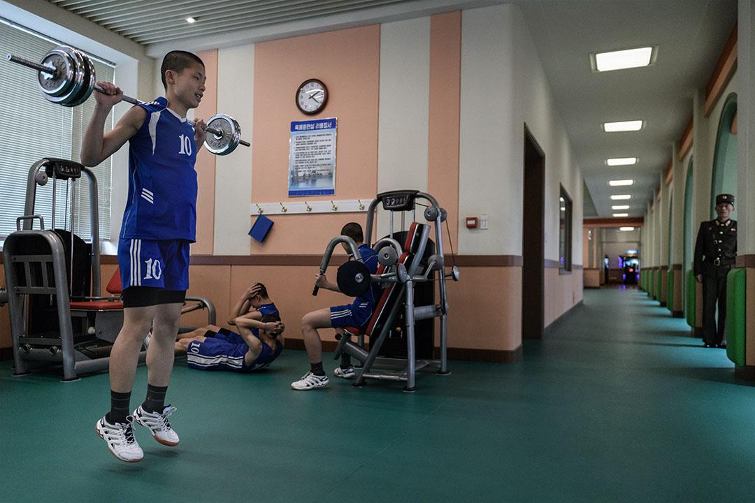 2018年4月10日,學生在萬壽台革命學院的健身房鍛煉身體。