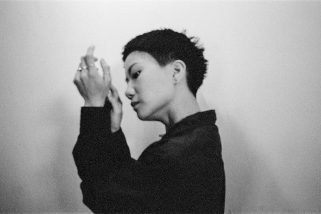 2018年8月5日,香港歌手盧凱彤(Ellen Joyce Loo)在跑馬地墜樓離世,年僅32歲。 攝:林振東/端傳媒